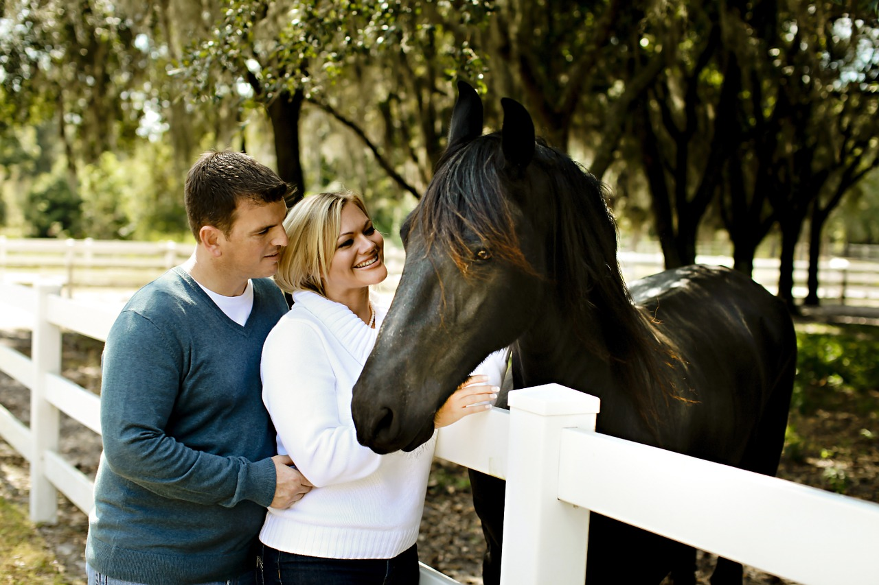 romantic photo shoot idea - horse riding