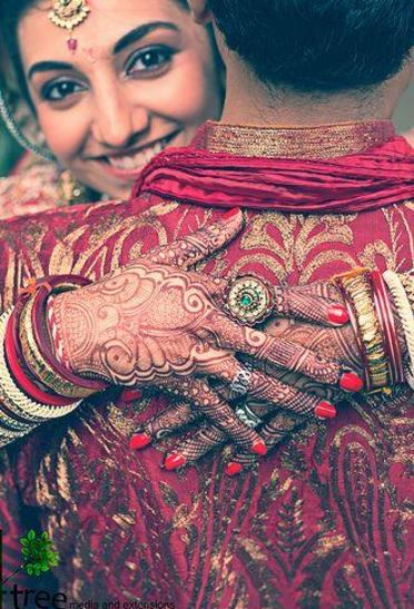 Cute Indian Wedding Photo Pose Ideas