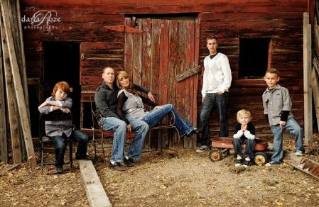 Family Photo Shoot Ideas Outdoors